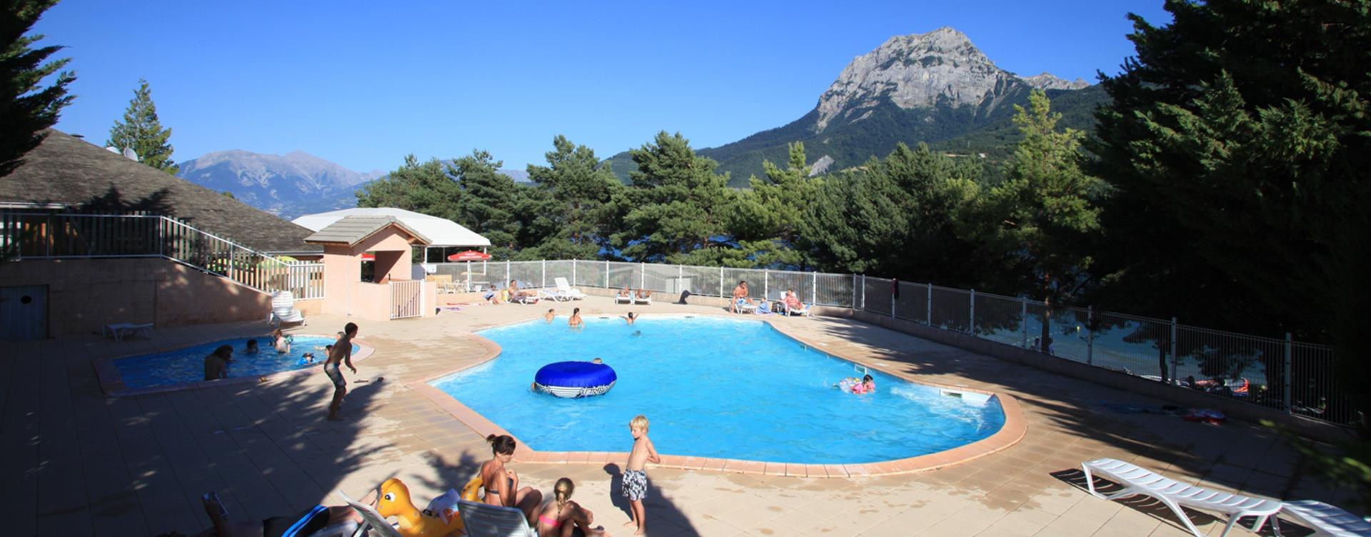 The swimming pool of the Camping Le Roustou