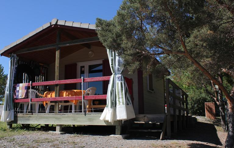 Rental of the Big bungalow: Camping le Roustou on the edge of the Serre-Ponçon Lake